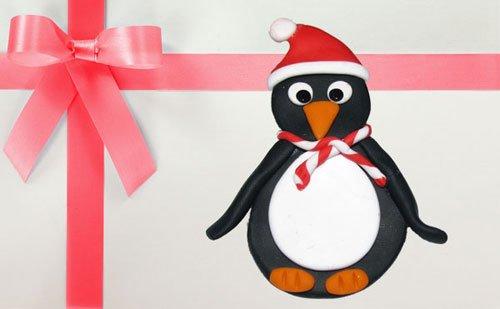 Brosa de Craciun cu pinguin
