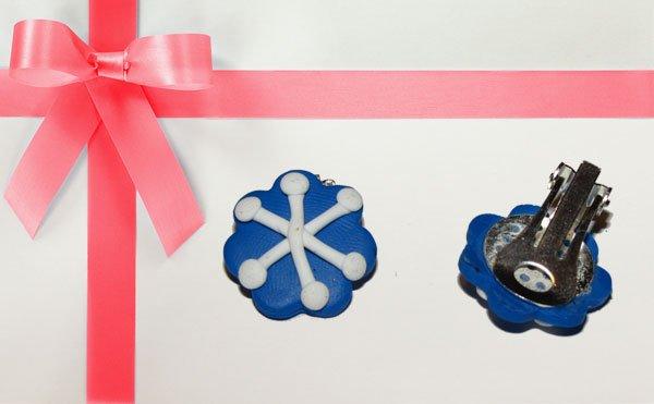 Cercei albastri cu clipsuri de Craciun